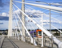 City-public-transport-tram-is-moving-along-the-cable-Tilikum-Crossing-Bridge-cm