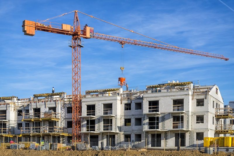 New-complex-of-apartment-buildings-under-construction-cm