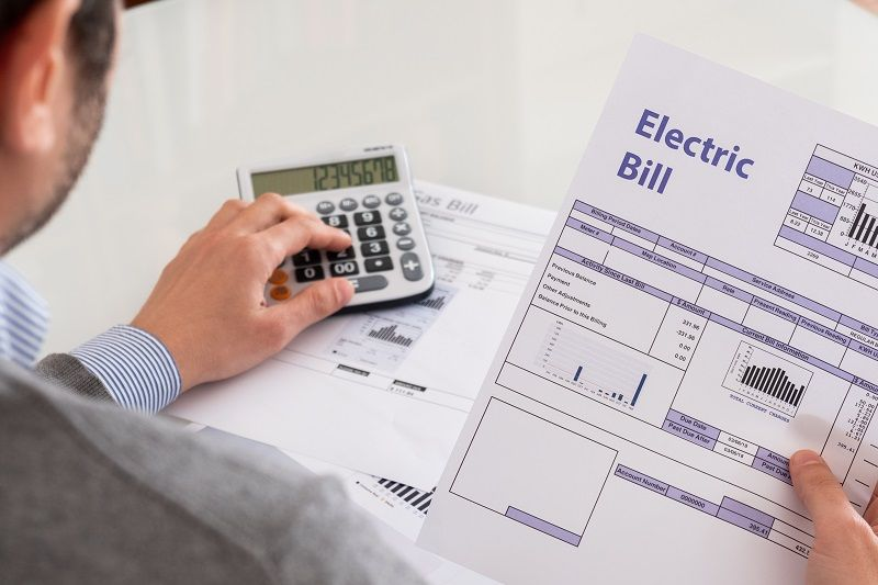 Calculating-energy-efficiency-and-energy-bill-papers--cm