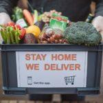 Food-delivering-cm